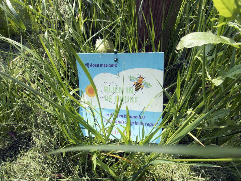 bordje bijen in de buurt