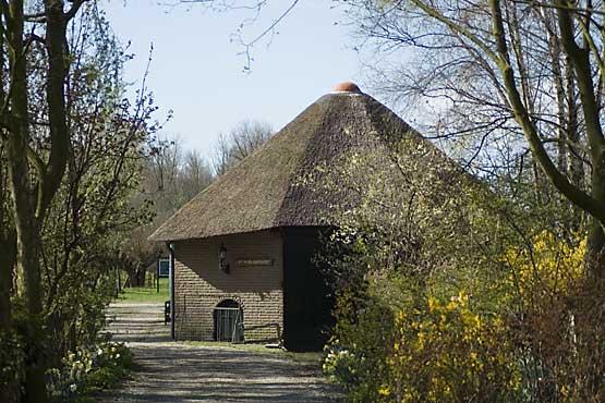 Thuisbasis NVWVH: Natuurcentrum De Schaapskooi